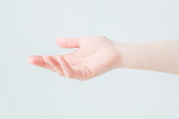 費用 手術 バネ 指